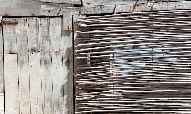 Vieux bois gris grunge en baléares méditerranéennes