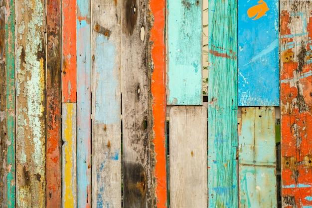 Vieux bois peint