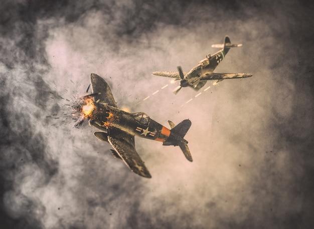 Vieux combat aérien dans les nuages