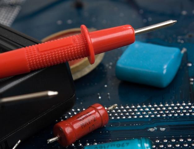 Vieux composants électroniques et carte de circuit imprimé