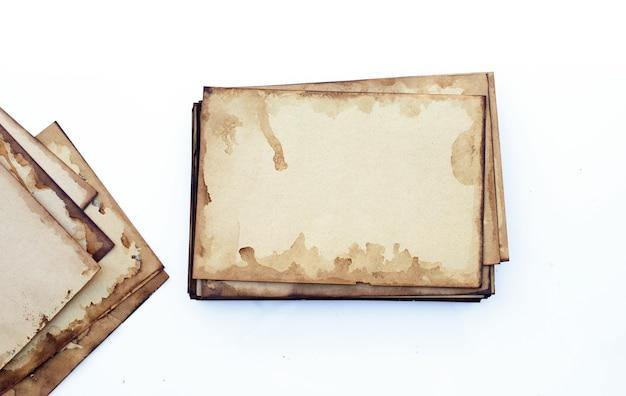 Vieux fond grunge de papier brun. texture abstraite de couleur café liquide.