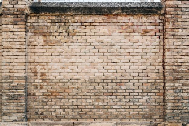 Vieux fond de mur de brique, large panorama de maçonnerie