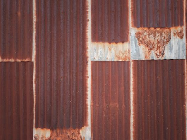 Vieux fond de texture de plaque de fer galvanisé rouillé