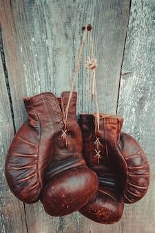 Vieux gants de boxe