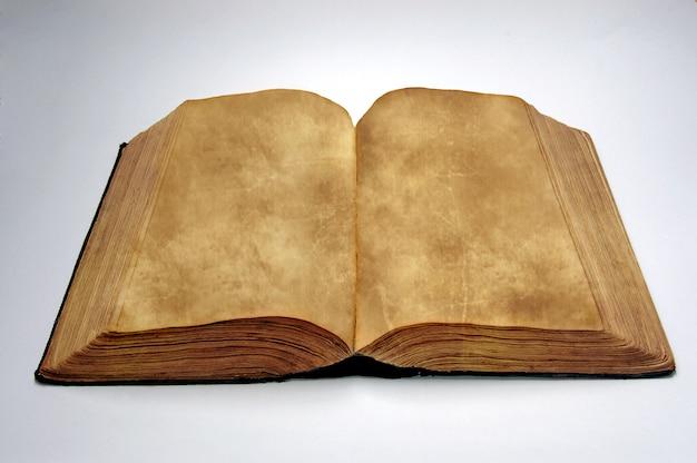 Vieux livre blanc