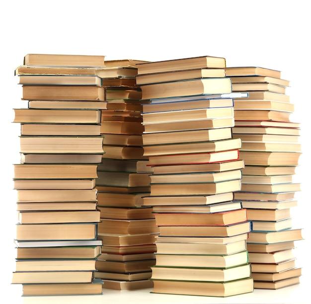 Vieux livres sur blanc