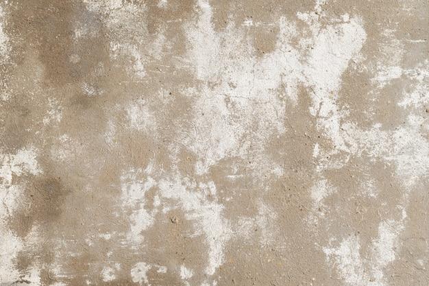 Vieux mur de béton fissuré