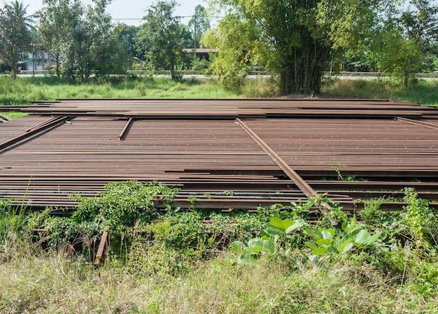 Vieux pieu de rail