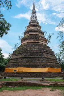 Vieux temple de bouddhisme en thaïlande