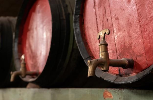 Vieux tonneaux de vin