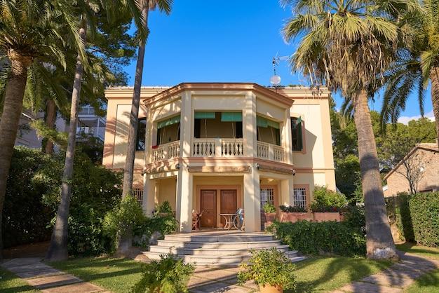 Villa pons herritage sur le littoral de benicassim à castellon en espagne et à benicasim