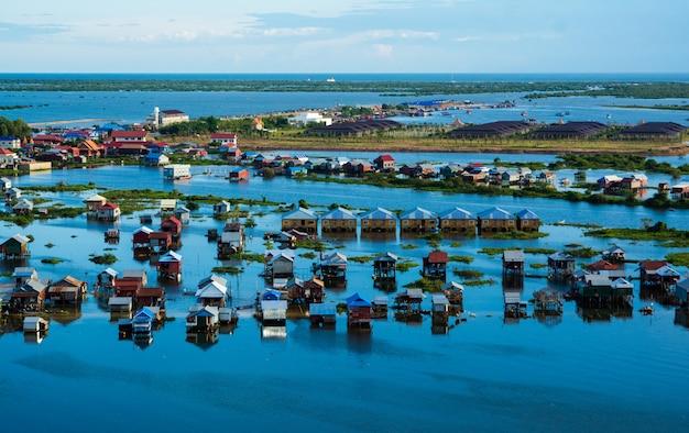 Village flottant à tonle sap