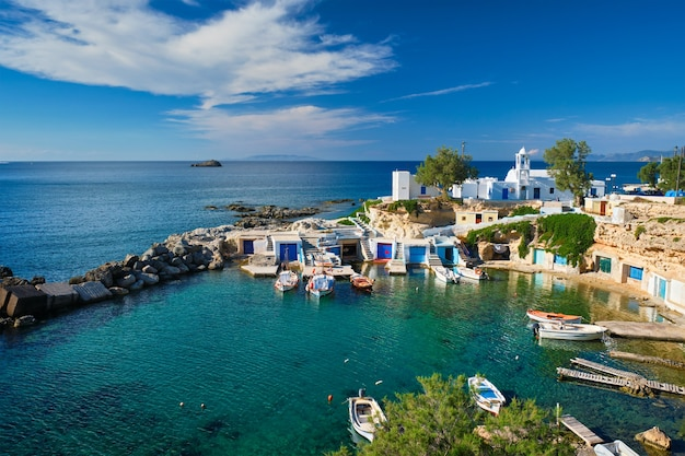 Village de mandrakia dans l'île de milos en grèce