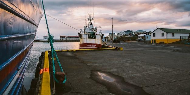 Village de pêcheurs sur la côte est de l'islande