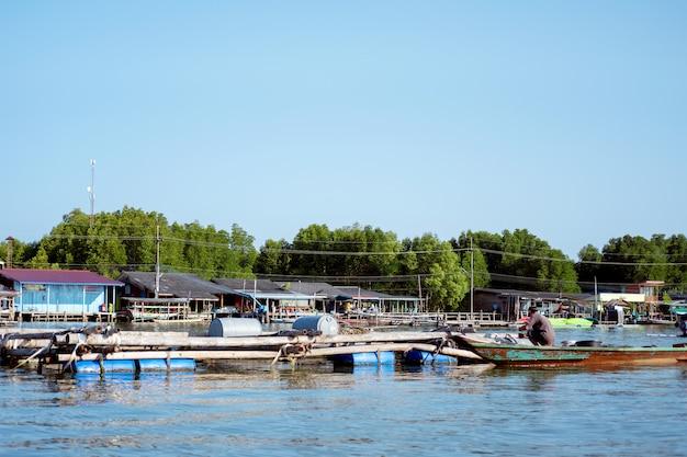 Le village sans terre est situé à tambon bang chan, chanthaburi, thaïlande