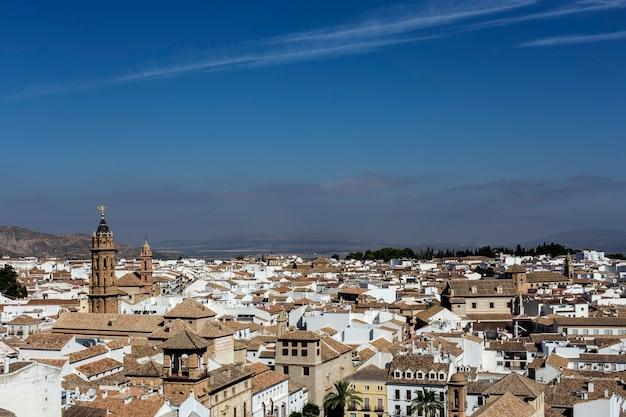 Villages andalous blancs traditionnels avec vue. antequera. malaga. espagne