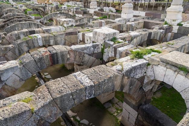 Ville antique de smyrne agora. izmir, turquie. smyrne était une ville grecque sur la côte égéenne de l'anatolie.