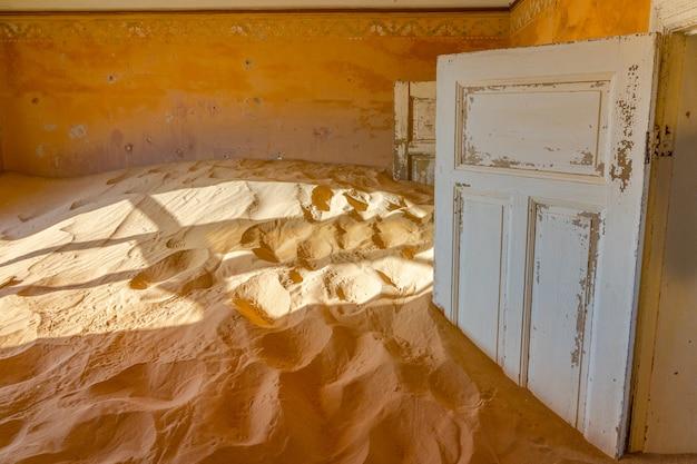 Ville fantôme de kolmanskop près de luderitz en namibie.