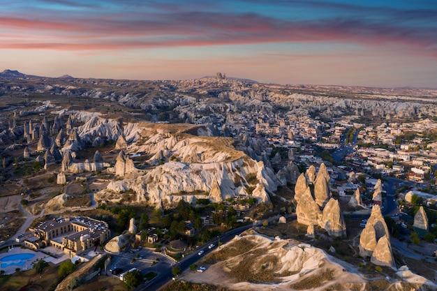 Ville de göreme en cappadoce, turquie.