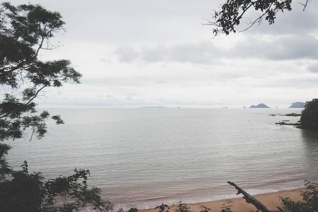 La ville de krabi un jour de solitude