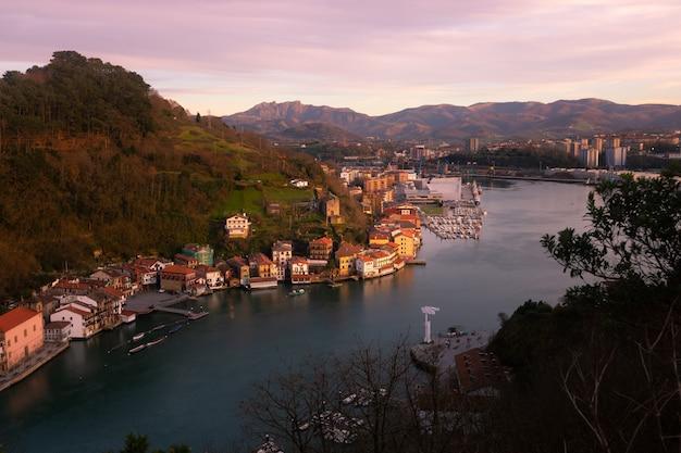 Ville de pêcheurs de pasaia au pays basque.