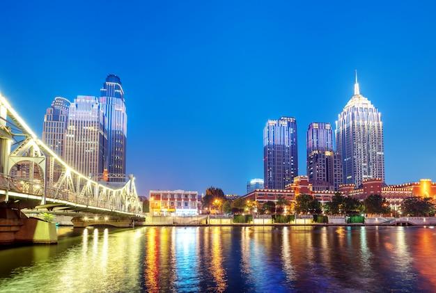 Ville de tianjin, chine, vue de nuit