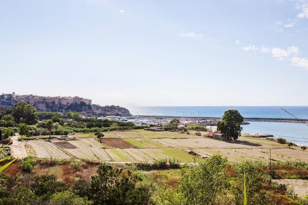 La ville de tropea dans la province de vibo valentia calabria italie