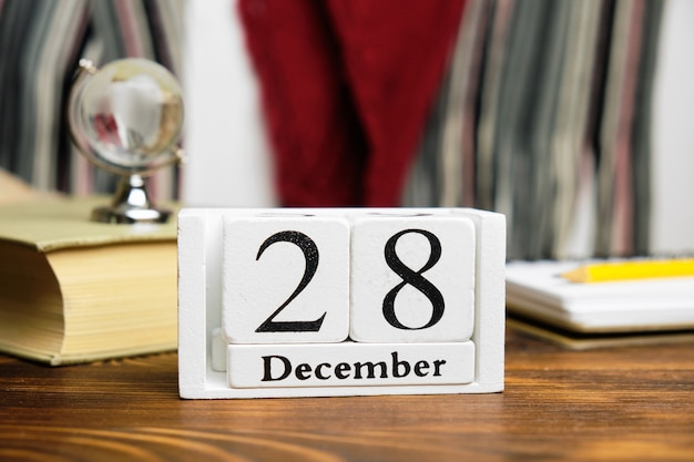 Vingt-huitième jour du calendrier du mois d'hiver décembre.