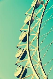 Vintage grande roue dans le parc