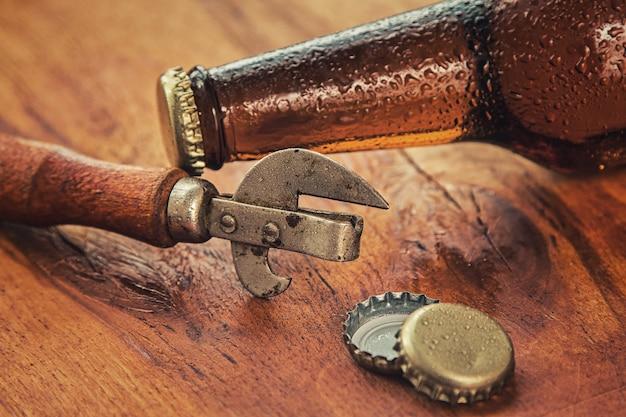 Vintage ouvre et bière