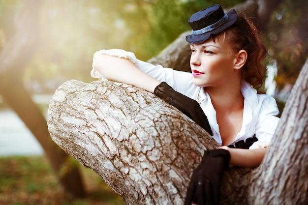 Vintage portrait de belle femme