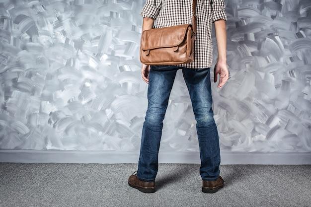 Vintage voyage hommes mode avec sac en cuir bel homme mince