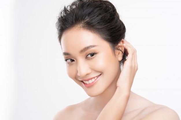 Visage asiatique belle femme