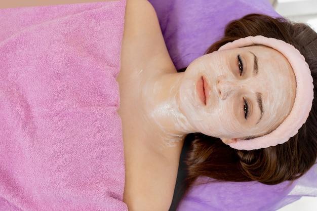 Visage masque peeling spa soins de beauté