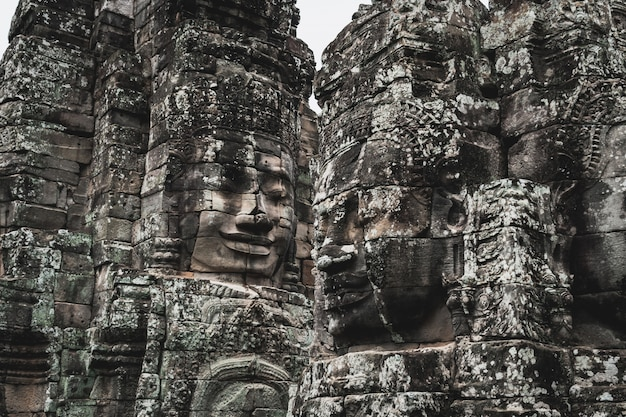 Visages du temple bayon à angkor thom