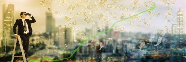 Vision d'homme d'affaires à la recherche d'un mot avec des jumelles pour la croissance et les revenus monétaires de votre entreprise.