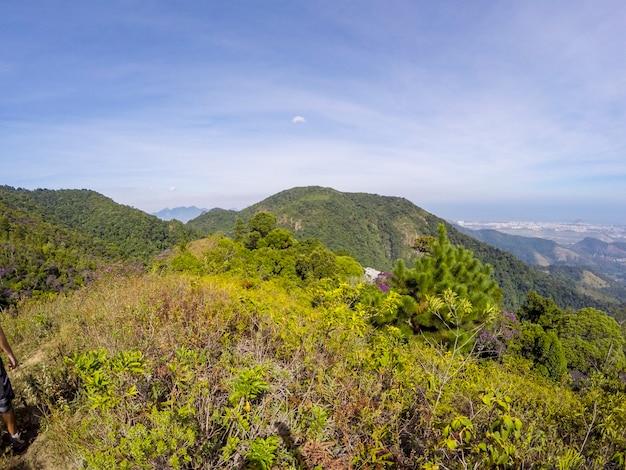 Visuel du sentier entre les quartiers de jacarepaguá et campo grande à rio de janeiro