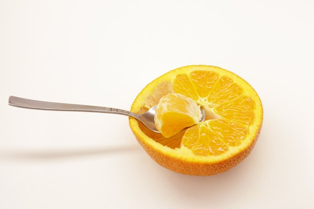 Vitamine sur une cuillère