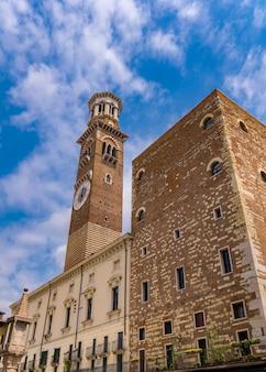 Voir à torre dei lamberti à vérone, italie