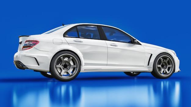 Voiture de sport blanche super rapide sur fond bleu. la silhouette de la berline. tuning est une version d'une voiture familiale ordinaire
