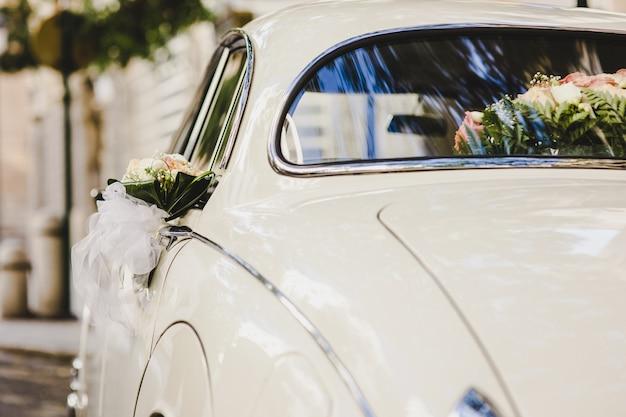 Une voiture vintage de luxe