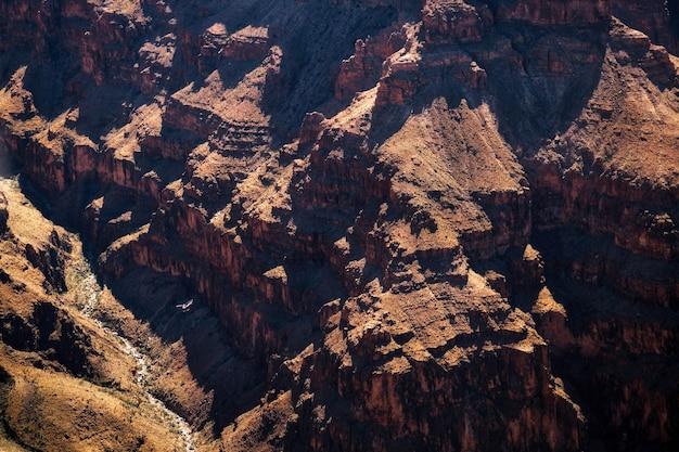 Vol en hélicoptère dans le grand canyon