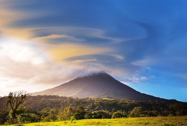 Volcan arenal pittoresque au costa rica, amérique centrale