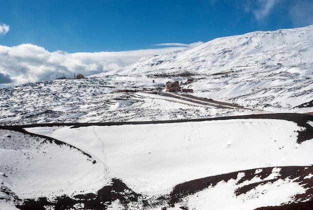 Volcan etna. station de ski