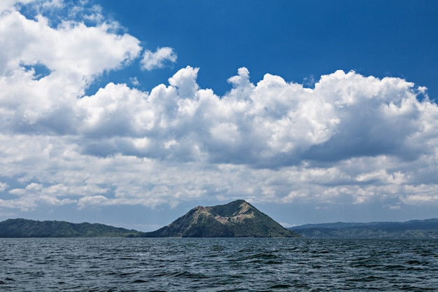 Volcan taal, philippines