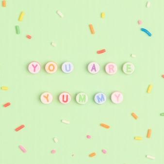 Vous êtes délicieux alphabet de perles de message