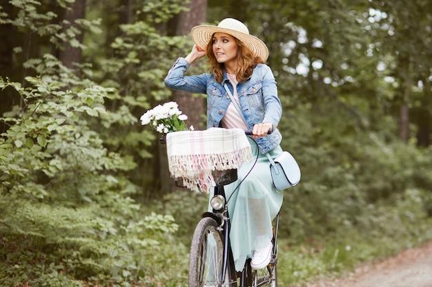 Voyage d'été en vélo urbain