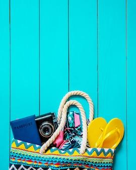 Voyage de fond. tour de mer, objets. mise au point sélective.