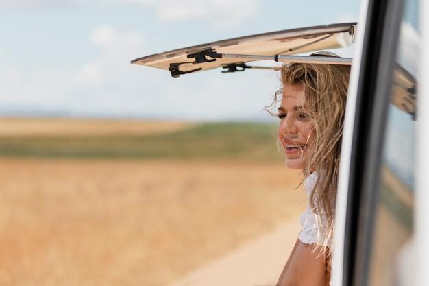 Voyager en voiture à la campagne