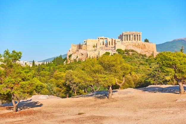Vue de l'acropole à athènes le soir, grèce - paysage grec
